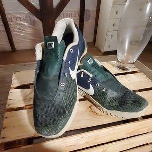 Nike size 8.5 netcon 3 training shoes green